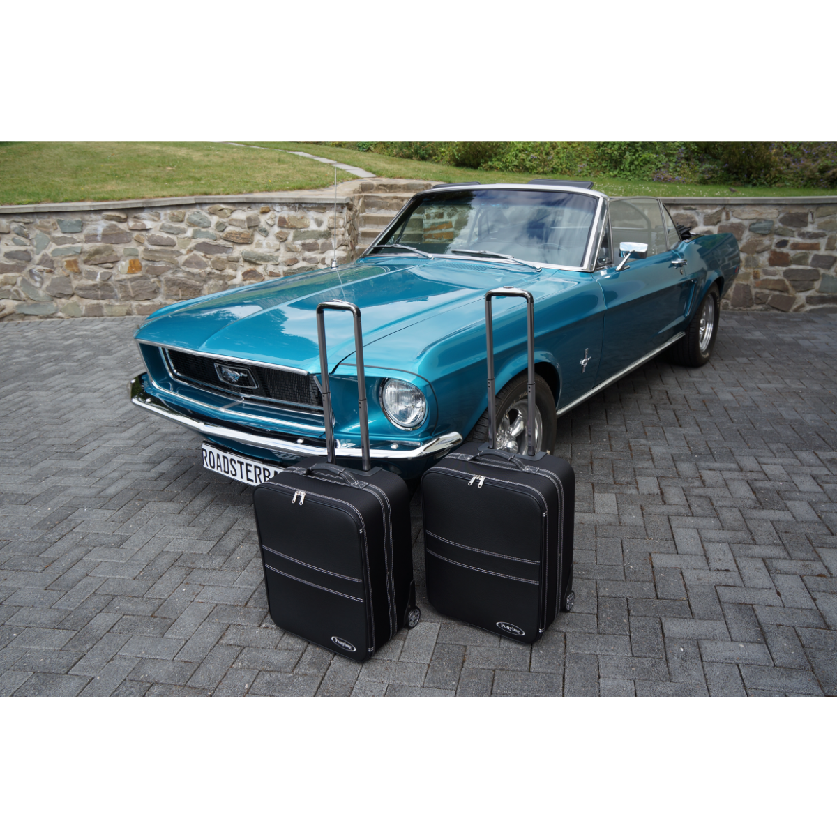 2-tlg. Kofferset mit 2 Rollen Ford Mustang 67/68
