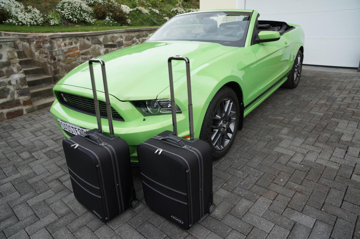 2-tlg. Kofferset mit 2 Rollen Ford Mustang Cabrio 2005-2014